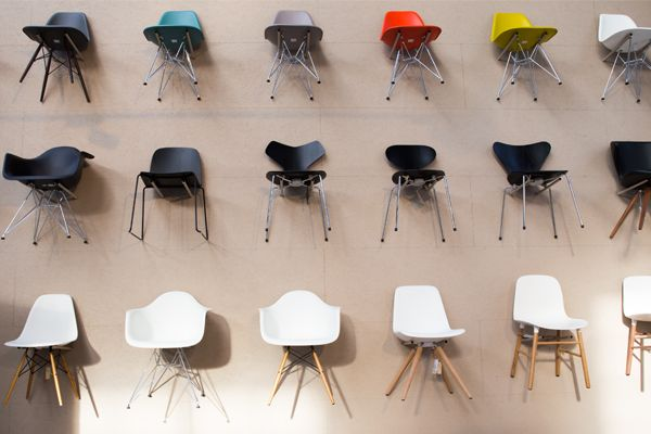 Flinders Woonwinkel stoelenwand