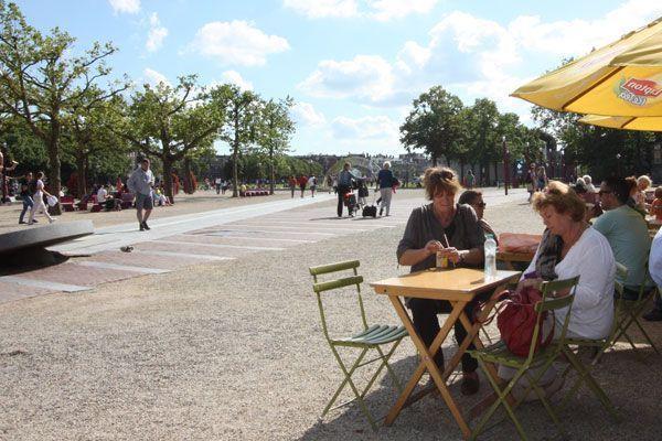Flinders Project: Kiosk Rembrandt van Gogh
